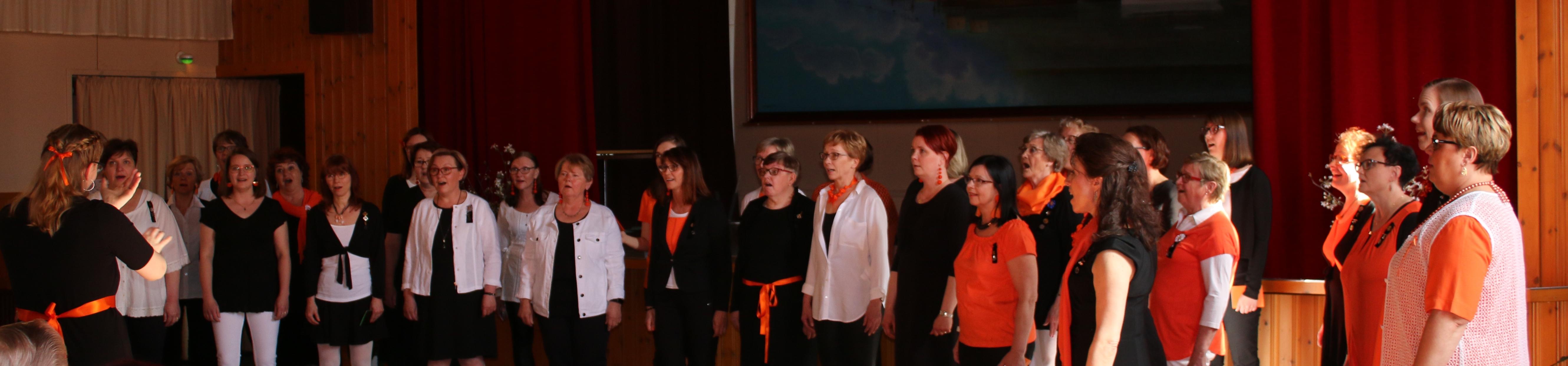 Naislaulajat keväkonsertissa 2018_2